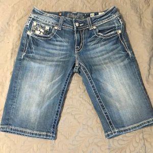 Miss Me Bermuda Shorts, size 4
